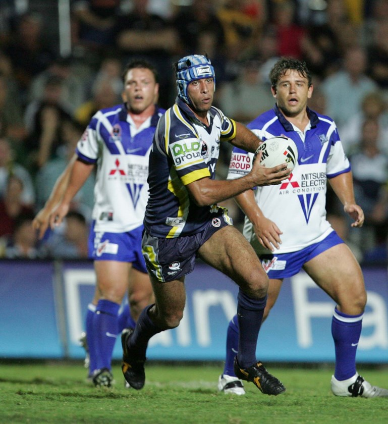 Johnathan Thurston facing the Bulldogs for the first time in 2005.