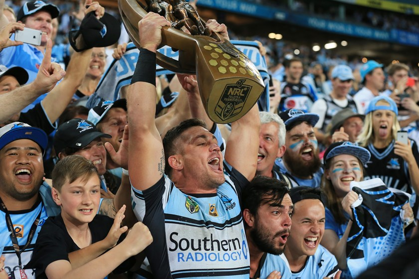 Chris Heighington wins his second premiership in 2016.
