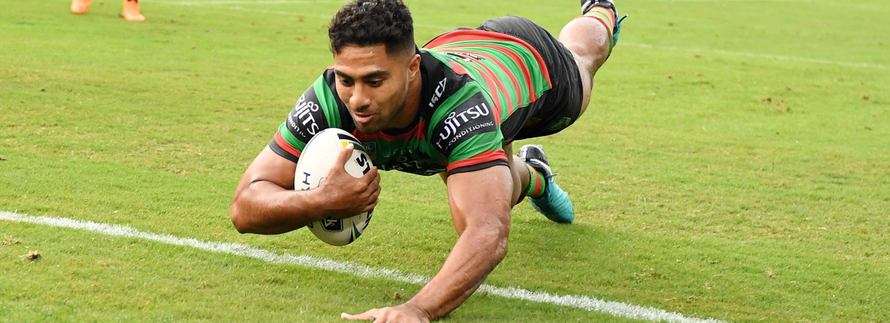 Robert Jennings scores a try for South Sydney.