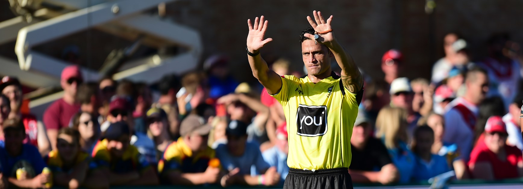 Referee Henry Perenara.