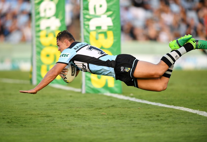 Scott Sorensen scores for Cronulla.