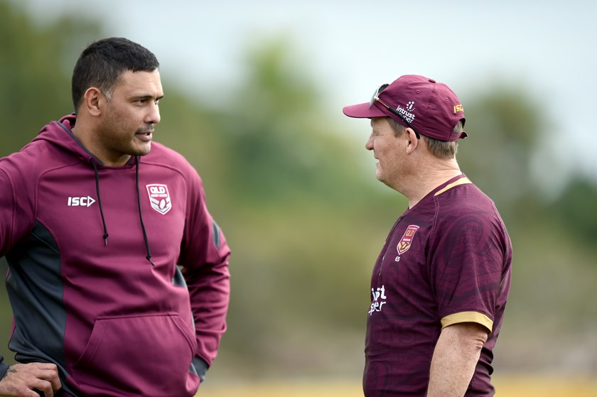 Justin Hodges and Kevin Walters at a 2018 Maroons training session.