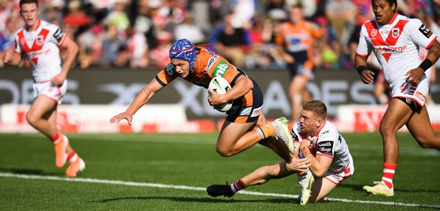 Ponga sublime as Newcastle streak away from Dragons