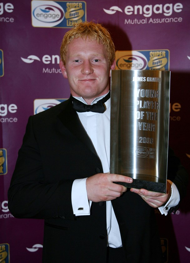 James Graham with the 2006 Super League Young Player of the Year award.