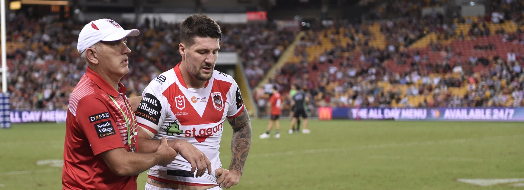 Gareth Widdop leaves the field with a shoulder injury in round 3.