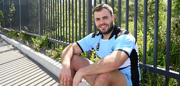 Graham re-signs with Sharks