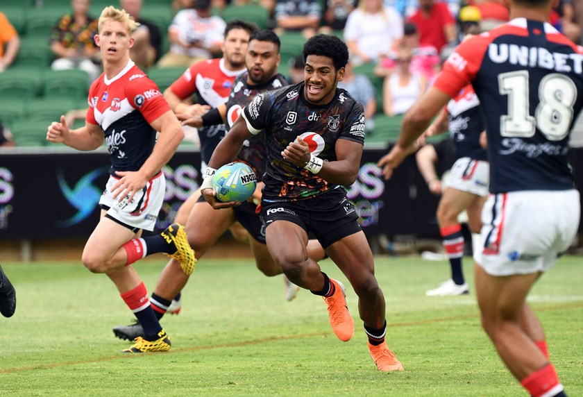 Selestino Ravutaumada on the run for the Warriors at the 2020 NRL Nines in Perth.