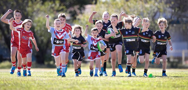 'Blues' boots delivered to juniors at bushfire-affected clubs