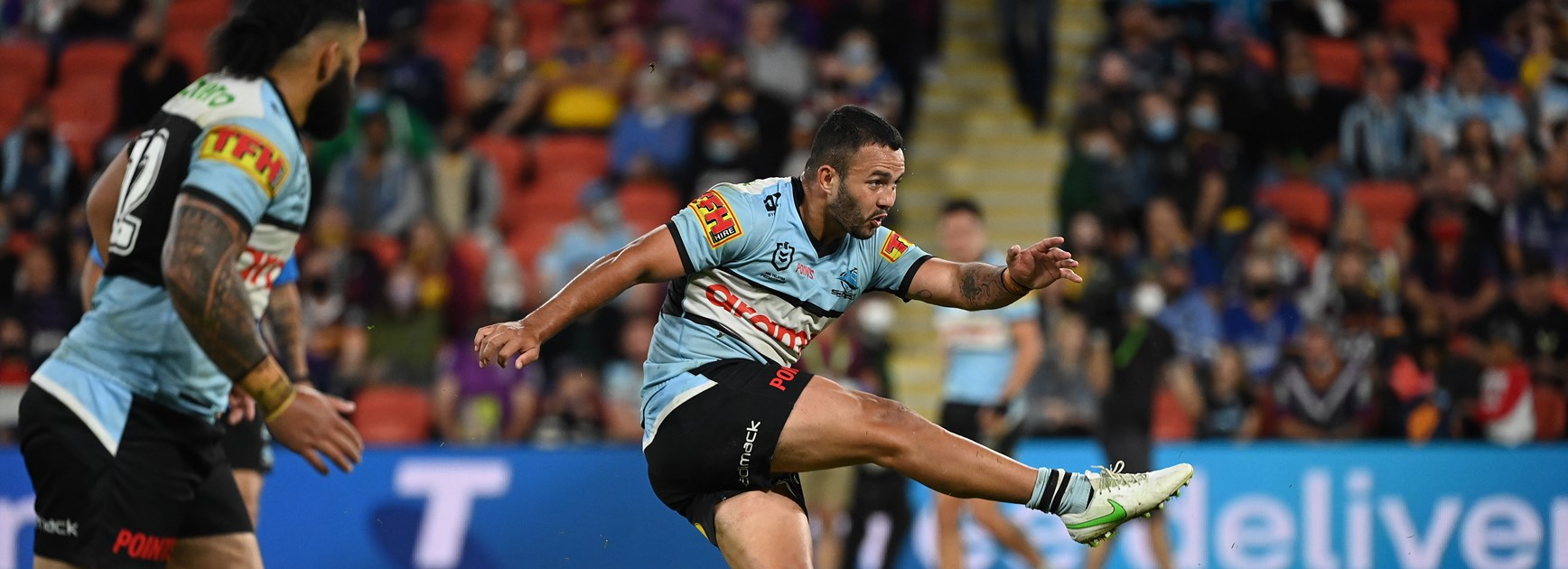 Stat Attack: Sharks reverse goal-kicking woes as Roosters struggle