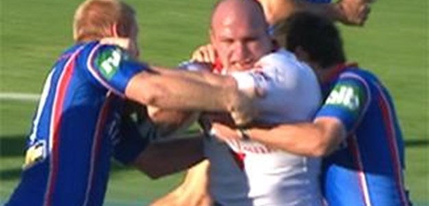 Full Match Replay: St George-Illawarra Dragons v Newcastle Knights (1st Half) - Round 17, 2011