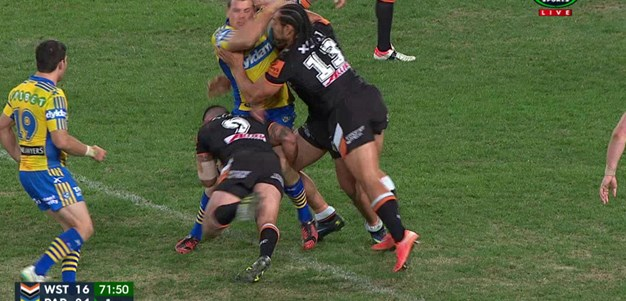 Rd 17: TRY Semi Radradra (72nd min)