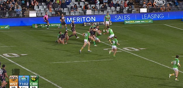 Rd 16: FIELD GOAL Braith Anasta (72nd min)