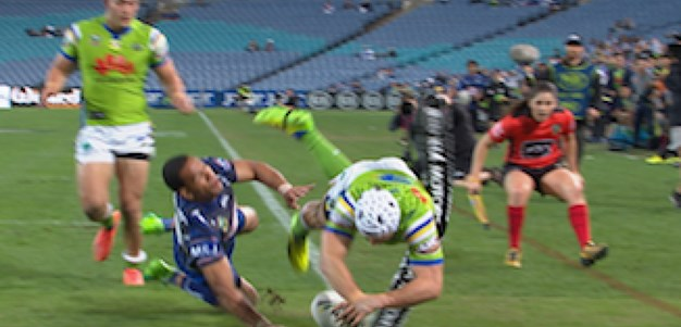 Full Match Replay: Canterbury-Bankstown Bulldogs v Canberra Raiders (1st Half) - Round 9, 2017