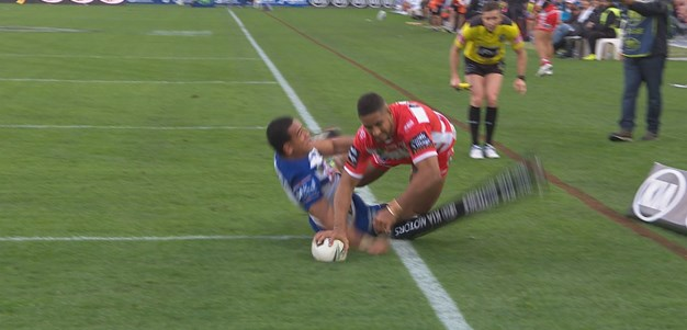 Macdonald scores the Dragons third try