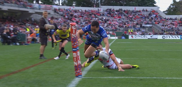 Smith double extends Bulldogs lead