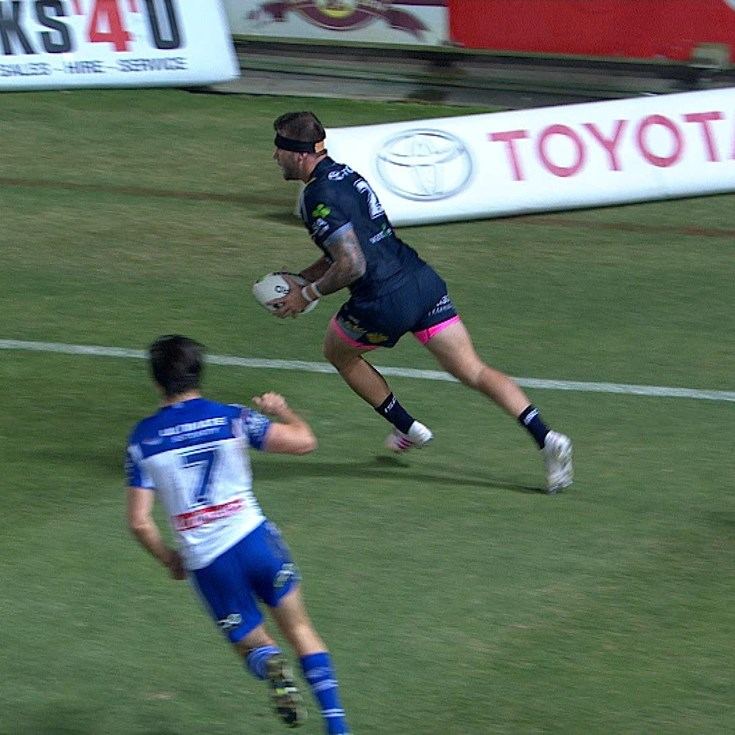 Feldt breaks the try scoring deadlock