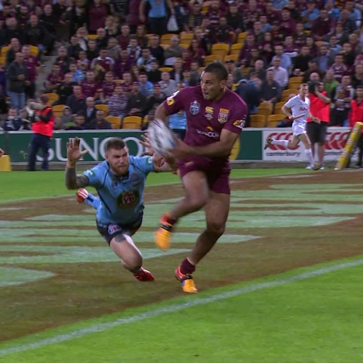 Freakish play from Hodges gets Gillett a four-pointer