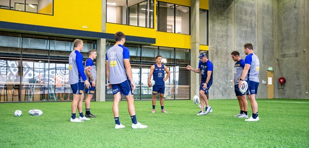Cowboys get kicking tips from former AFL player