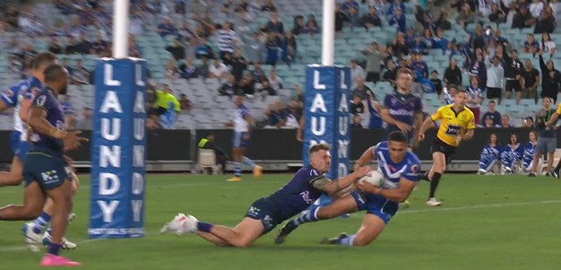 Watene-Zelezniak picks-off an Averillo kick