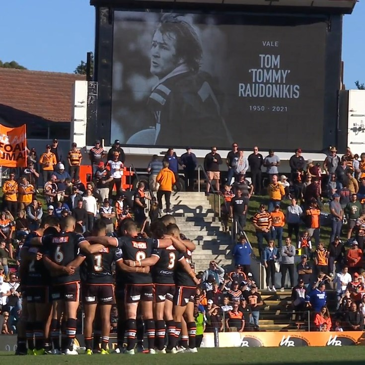 The Leichhardt faithful pay their respects to Raudonikis