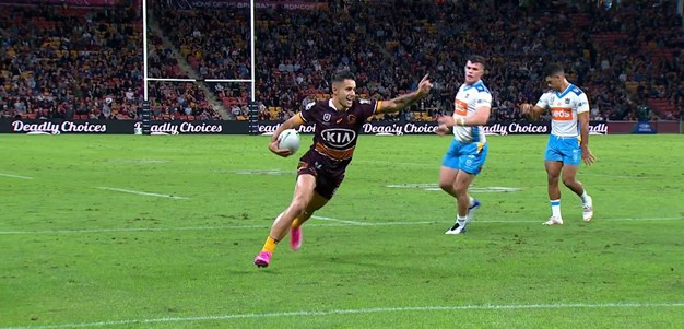 Arthars scores the sixth-straight try for Brisbane