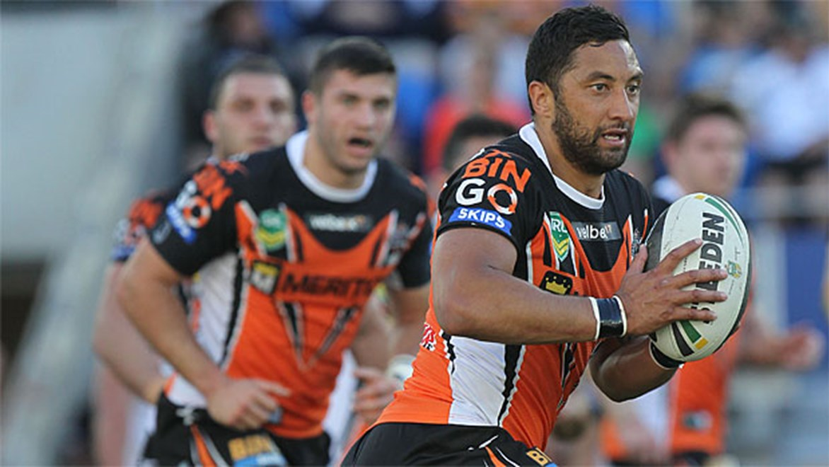 Brad Fittler says the Wests Tigers should drop Benji Marshall this week.
