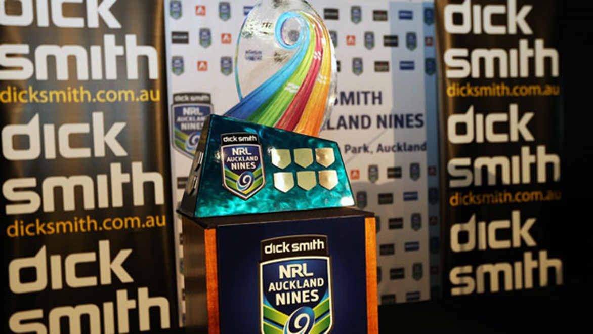 Todd Carney, Greg Bird, Willie Tonga and Robbie Farah with the Dick Smith NRL Auckland Nines trophy.