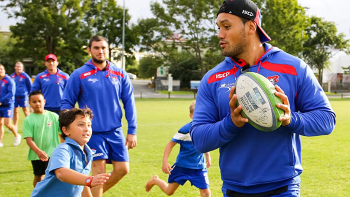Will the Newcastle Knights unveil some new set plays in the opening match of the Auckland Nines? Photo: David Joseph/photosport.co.nz