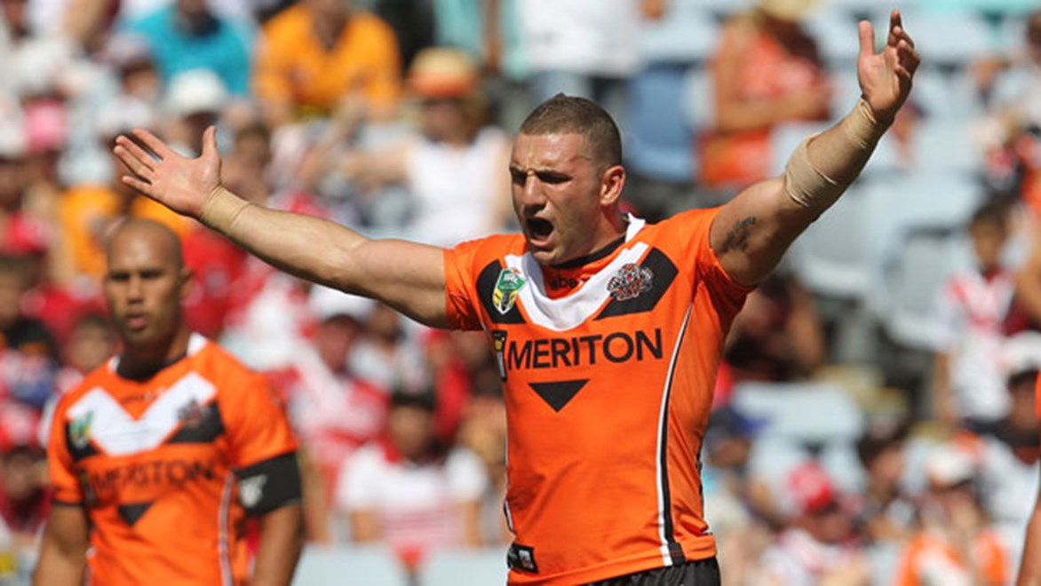 Wests Tigers captain Robbie Farah has declared himself ready to return to the NRL for Saturday's clash against the Sharks.