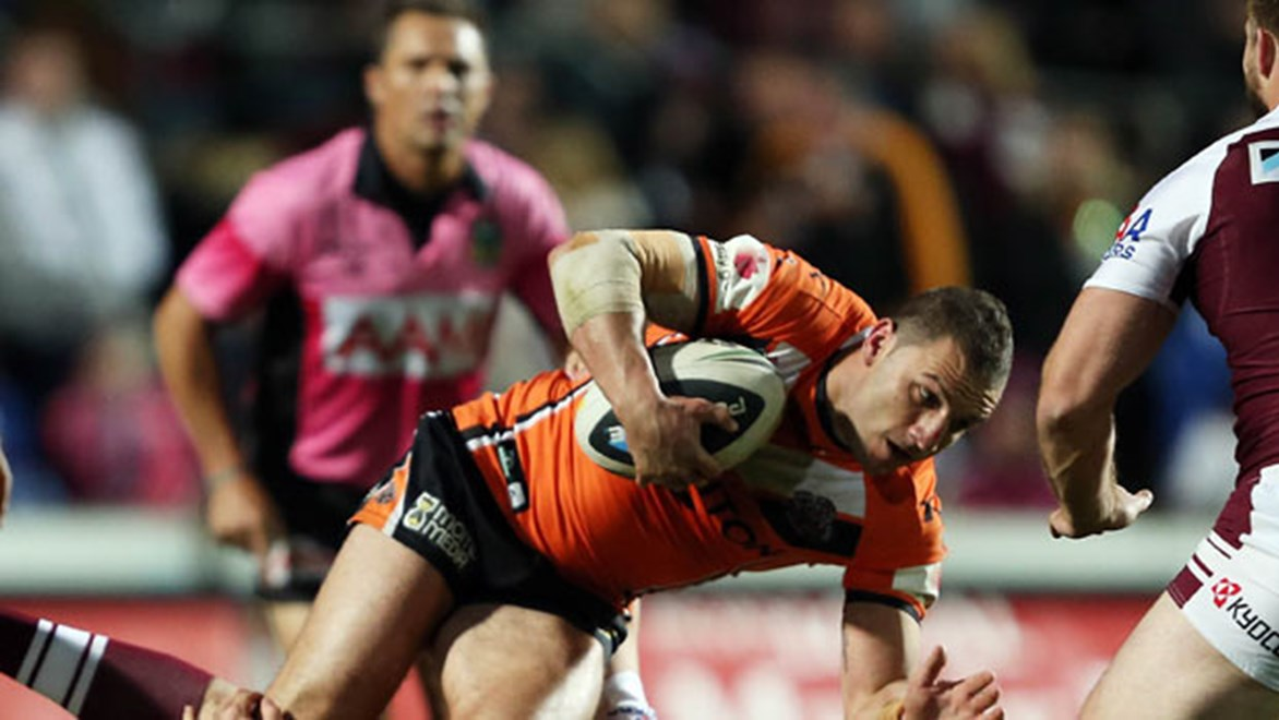 Wests Tiger skipper Robbie Farah is at a loss to explain why ref Shayne Hayne refused to refer a contentious no-try ruling upstairs early in his team's 40-8 defeat to Manly at Brookvale Oval on Friday night.