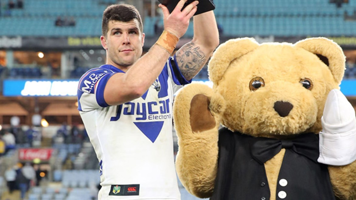 Michael Ennis with the Bandaged Bear Cup following the Bullodogs' Round 23 win over the Eels.
