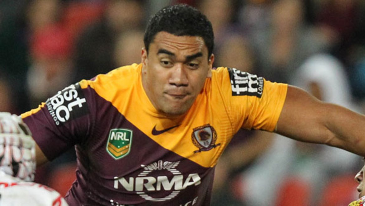 Former Broncos prop David Hala has signed a two year deal with the Gold Coast Titans.