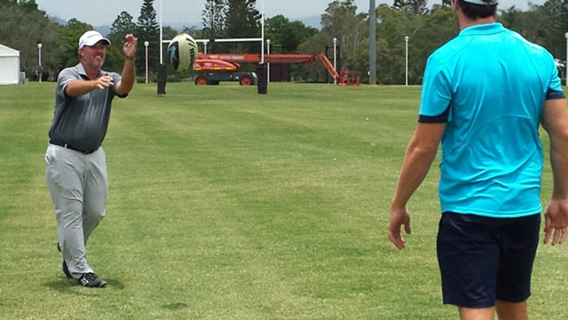 Three-time PGA Tour winner Boo Weekley tried his hand at rugby league ahead of preparations for the Australian PGA Championship on the Gold Coast.