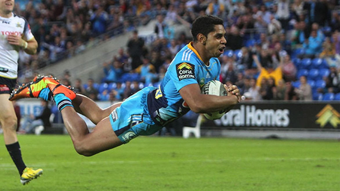 Former Titan Albert Kelly scored two tries on debut in the opening round of the Super League.