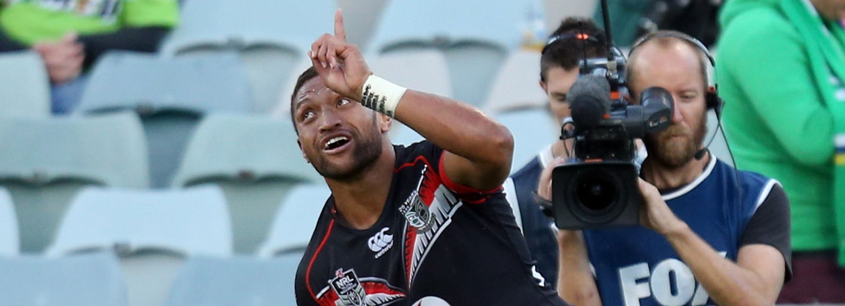 Warriors winger Manu Vatuvei celebrates his side's opening try against the Raiders.