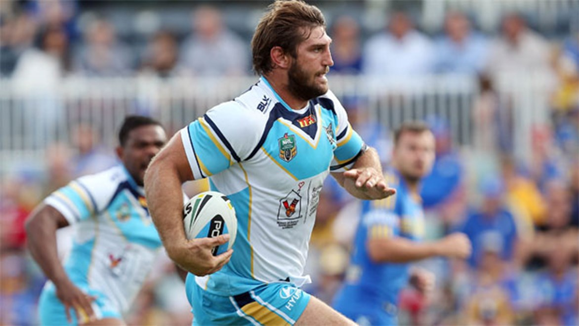 Dave Taylor charges clear to score for the Titans against Parramatta.