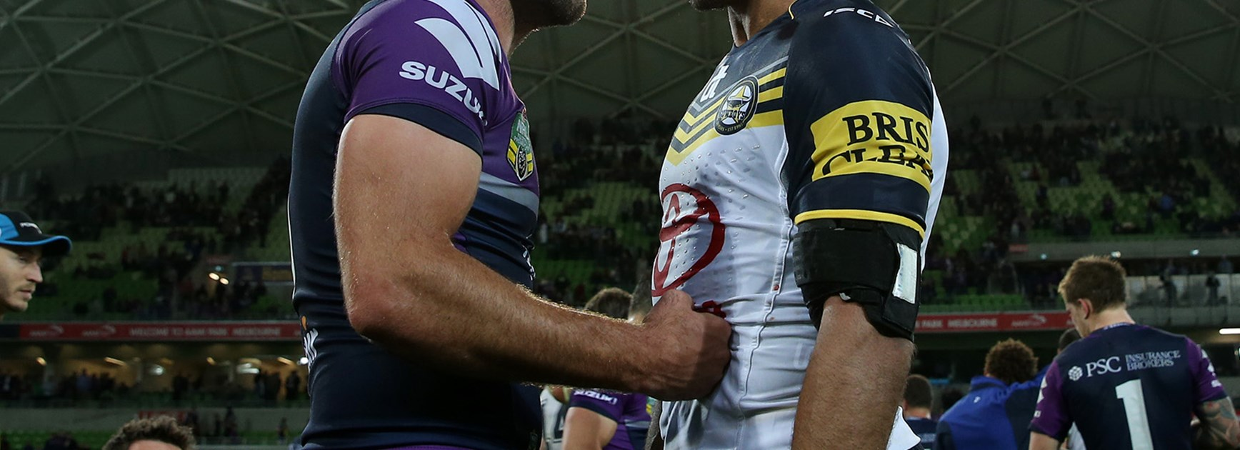 Great mates Cam Smith and Johnathan Thurston share a moment after their Preliminary Final.