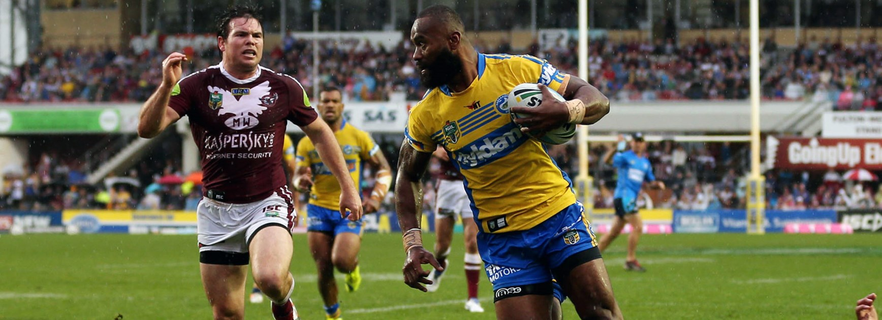 Semi Radradra crosses for a try against the Sea Eagles at Brookvale Oval.