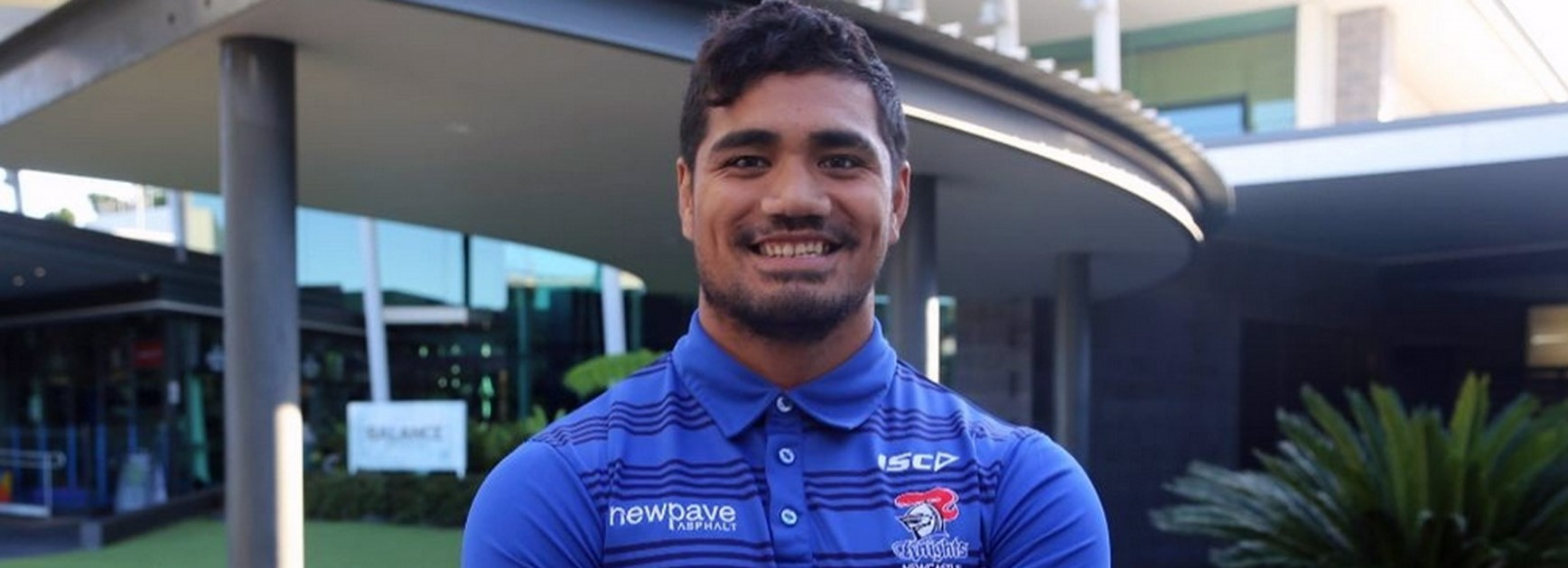 Newcastle have signed Dragons back Peter Mata'utia through to the end of season 2017.