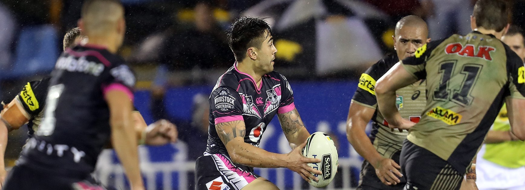 Shaun Johnson on his way to the try line in golden point against the Panthers in Round 21.