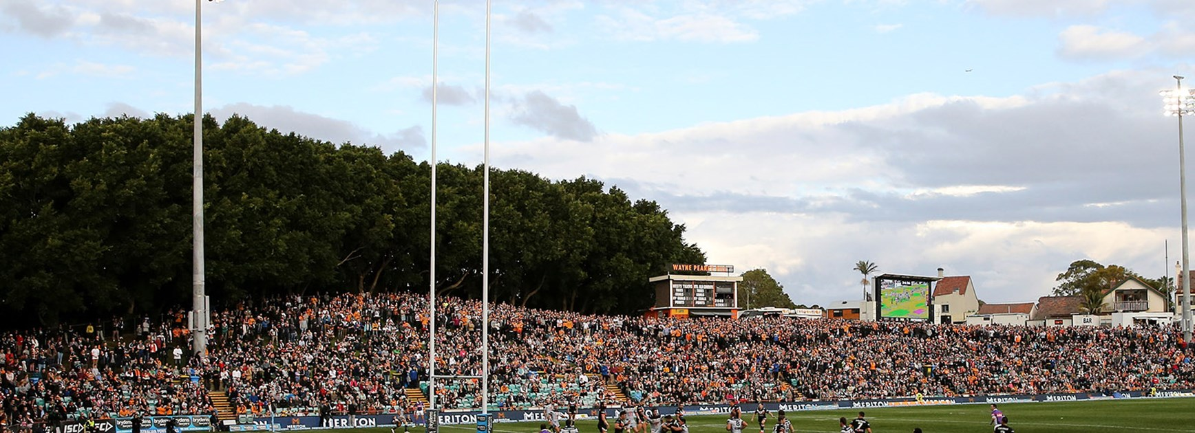 A full house at Leichhardt Oval.