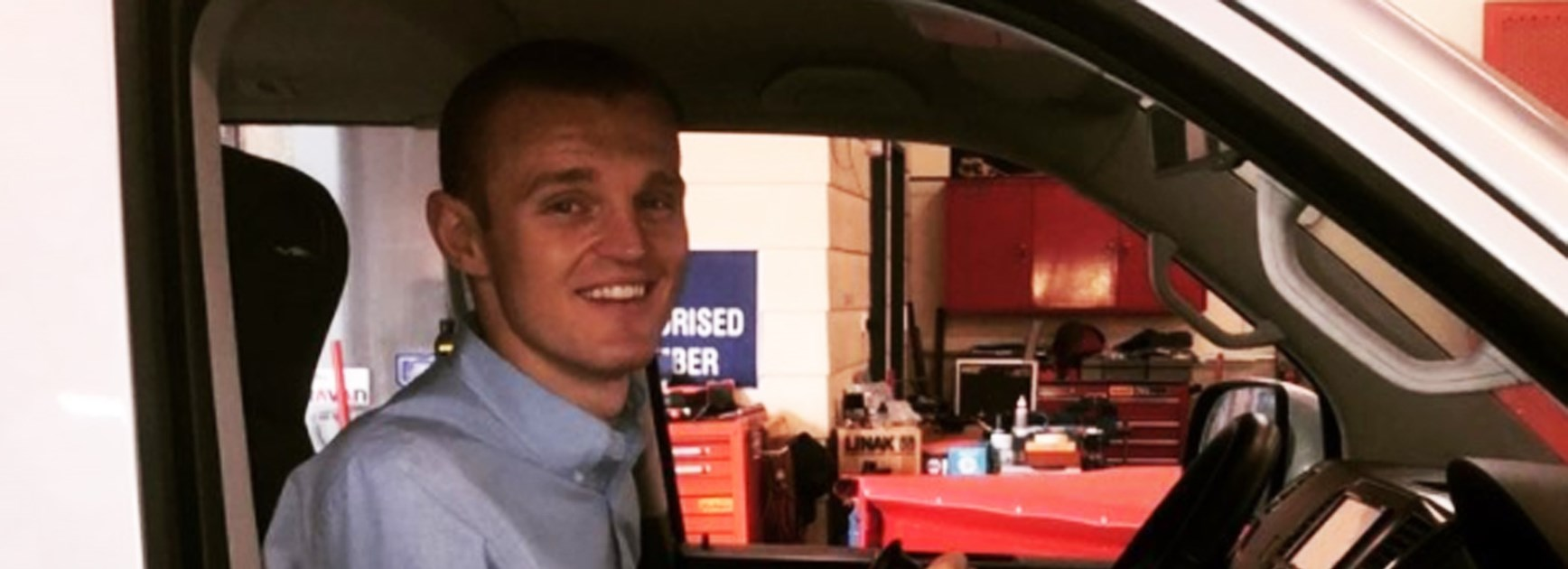 Alex McKinnon has announced he's set to get back behind the wheel.