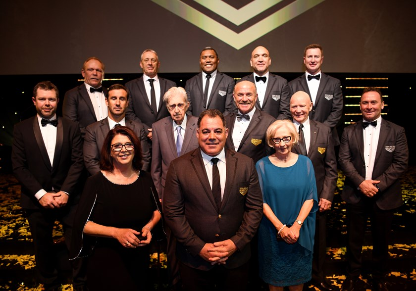 Mal Meninga with the Provan family and other Hall of Famers.