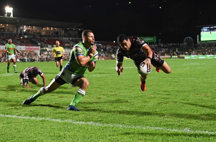 Manly winger Matthew Wright in full flight for a try against the Raiders.