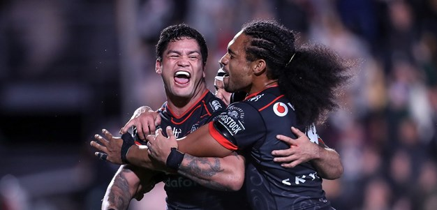 Warriors inflict first defeat on Dragons