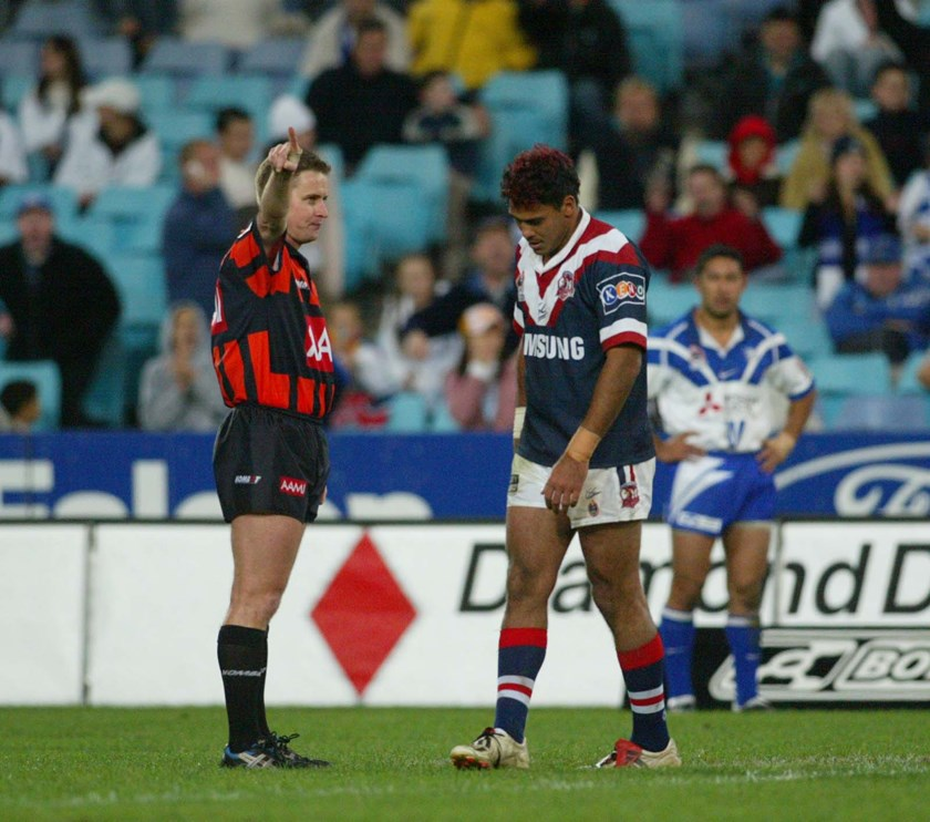 Justin Hodges is sent off in round 13, 2004 against the Bulldogs.