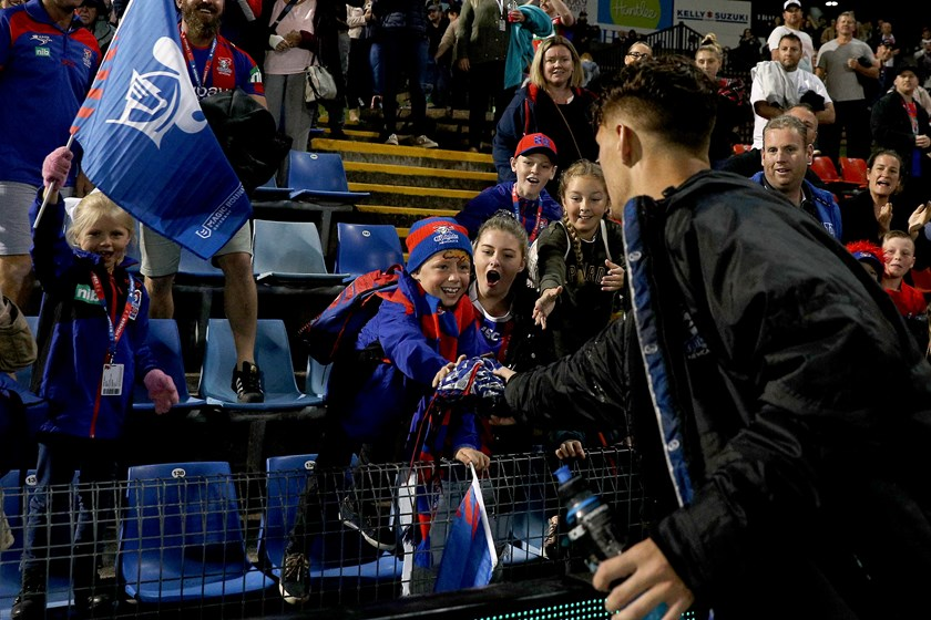 Kalyn Ponga makes a young fan's night at McDonald Jones Stadium.