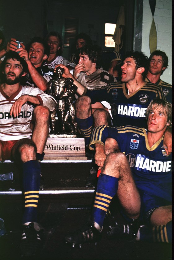 The 1983 Eels celebrate their grand final win.