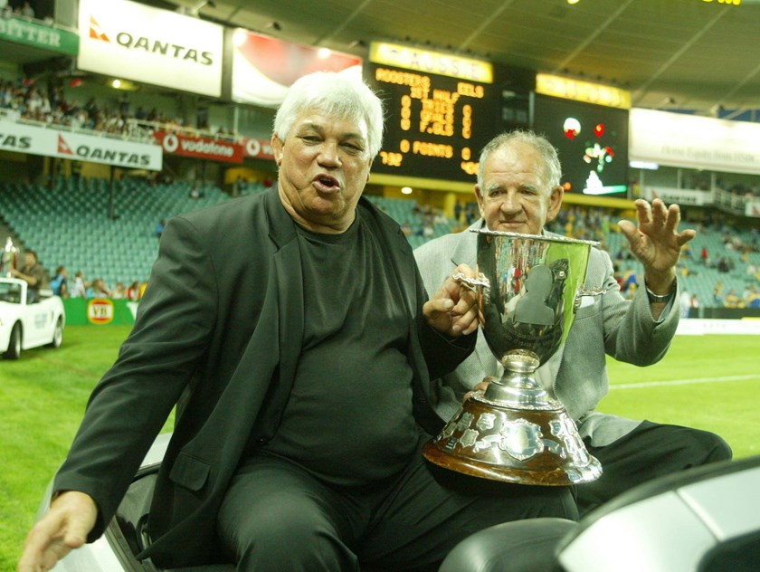 Arthur Beetson with Jack Gibson at a Roosters v Eels game in 2002.