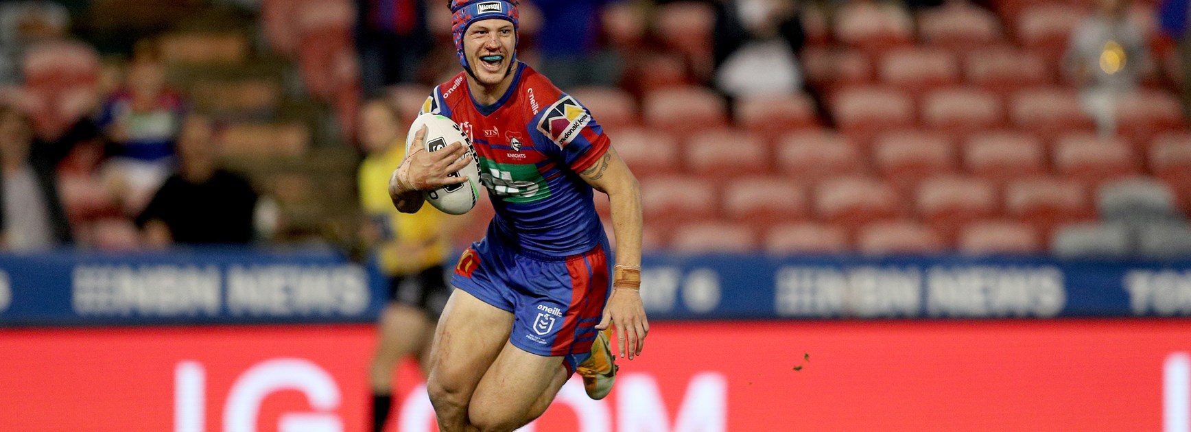 Busted nose, 'glint in the eye': Secret to Ponga's Cronulla carve up